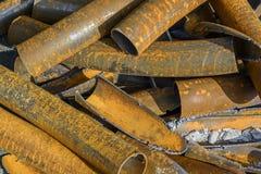 Chiuda sulla pila del metallo dei tubi Immagini Stock Libere da Diritti