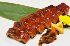 Chiuda sulla salsa di soia grigliata anguilla giapponese immagine stock