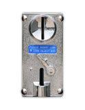 Chiuda sulla scanalatura di moneta del metallo del distributore automatico Fotografie Stock