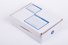 Chiuda sulla scatola di carta della posta della posta Immagini Stock Libere da Diritti