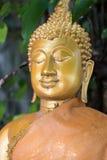 Chiuda sulla statua di Buddha dell'oro Fotografia Stock Libera da Diritti