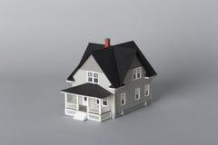 Chiuda sulla vista della casa di modello Fotografia Stock