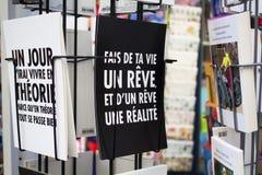 Chiuda sulla vista delle cartoline francesi Fotografia Stock