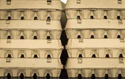 Chiuda sulla vista delle scatole delle uova sistemate del cartone Fotografia Stock Libera da Diritti