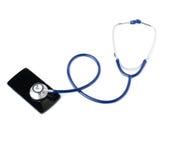 Chiuda sulla vista dello stetoscopio sopra fondo bianco isolato Fotografie Stock Libere da Diritti