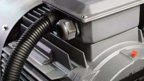 Chiuda sulle alette del motore industriale i Fotografia Stock