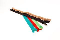 Chiusure lampo multicolori per vestiti Fotografia Stock Libera da Diritti