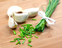 Chives and garlic Royalty Free Stock Photography
