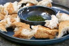 Chleb i oliwa z oliwek z pikantność Obrazy Stock