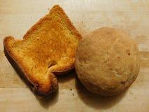 Chleb na drewnianej bazie Zdjęcia Royalty Free