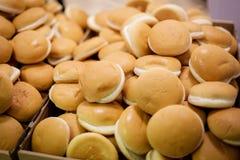 Chleb przy bufetem dla biedy obraz stock