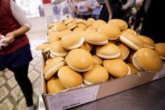 Chleb przy bufetem dla biedy Obrazy Royalty Free