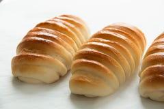 Chleb spirala odizolowywająca na białym tle fotografia royalty free