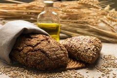 Chleb, ucho i adra na parciaku, Zdjęcie Stock