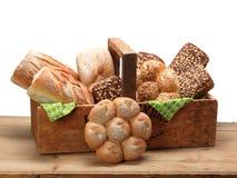 Chleb w drewnianym pudełku Zdjęcia Royalty Free