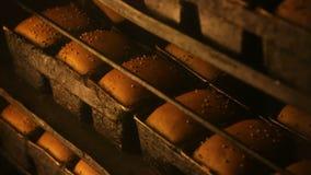 Chleb w obrotowym piekarniku zbiory