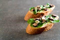 chleb z rakiety i shiitake pieczarką fotografia royalty free