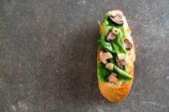 chleb z rakiety i shiitake pieczarką obrazy royalty free