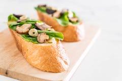 chleb z rakiety i shiitake pieczarką zdjęcie royalty free