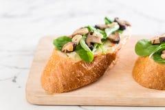 chleb z rakiety i shiitake pieczarką obraz royalty free