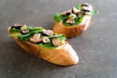 chleb z rakiety i shiitake pieczarką obraz stock