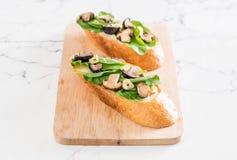 chleb z rakiety i shiitake pieczarką zdjęcia stock