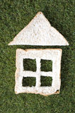 Chleba dom na trawie Obrazy Royalty Free