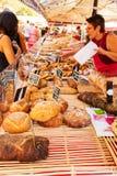 Chleba kram przy rynkiem w Ładnym Francja Fotografia Stock