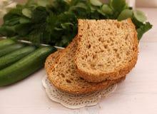 Chlebowy żyto z otręby cięciem obraz stock