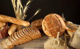 Chlebowy jedzenia i banatki pojęcia tło Obrazy Stock