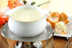 chlebowy serowego fondue topiący kawałek Obrazy Royalty Free