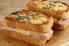 chlebowy serowy croque piec na grillu baleronu monsieur Zdjęcia Stock