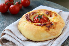 chlebowy serowy focaccia włocha pomidor Zdjęcia Stock