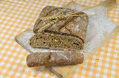 chlebowy zmrok pokrajać Zdjęcie Stock