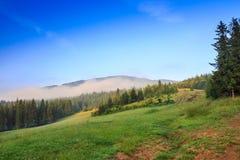 Chmur zrozumienia na górze góry Obraz Royalty Free
