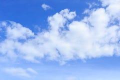 chmura błękitu nieba Zdjęcia Royalty Free