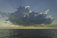 Chmura i światło słoneczne fotografia stock