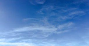 Chmura, nieba błękita tło niebo, chmury niebieski obraz royalty free