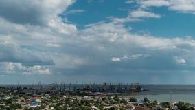 Chmura ruch nad portem morskim zdjęcie wideo