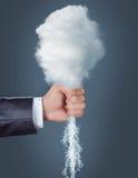 Chmura w ludzkiej ręce obraz stock