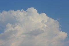 Chmura w niebie Obrazy Royalty Free