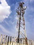 chmurna komunikacyjna nieba wierza wioska Obraz Stock