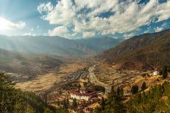 Chmurna Paro dolina przed zmierzchem fotografia stock