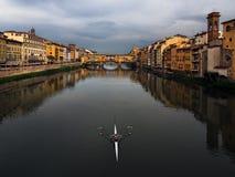 Chmurna pogoda w Florencja Symetryczny skład Włochy fotografia royalty free