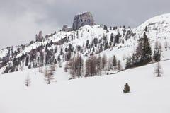 Chmurna wiosny pogoda w dolomit górach Obrazy Royalty Free