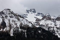 Chmurna wiosny pogoda w dolomit górach Zdjęcie Royalty Free