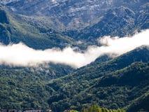 Chmurne góry Obrazy Stock