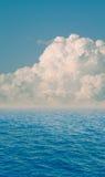 chmurnieje dramatycznego morze Fotografia Stock