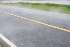 Chmurnieje na drodze na sposobie, do wysokiego punktu Tajlandia Fotografia Royalty Free