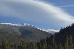 chmurnieje sceniczną Colorado górę Obrazy Royalty Free